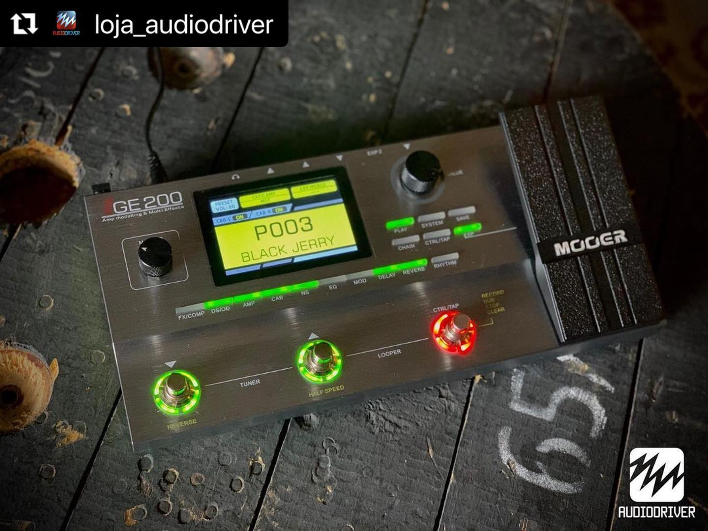Great pic from a Mooer dealer in Brazil! Check them out! @loja_audiodriver